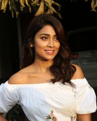 Actress Shriya Saran Photoshoot during Interview For Paisa Vasool   Picture 1524597
