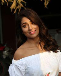 Actress Shriya Saran Photoshoot during Interview For Paisa Vasool   Picture 1524614