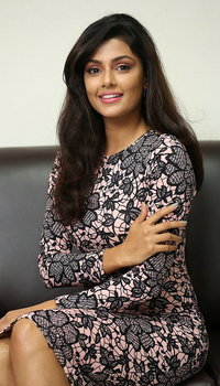 Anisha Ambrose Photoshoot During Fashion Designer S O Ladies Tailor Press Meet