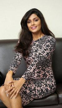 Anisha Ambrose Photoshoot During Fashion Designer S O Ladies Tailor Press Meet
