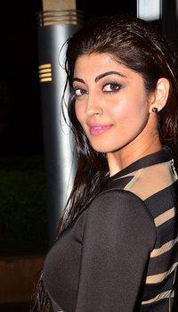 Pranitha Subhash - Jio Filmfare South Awards 2017 Photos