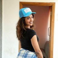 Tejaswi Madivada interview about her upcoming movie Babu Baga Busy Pics   Picture 1496131