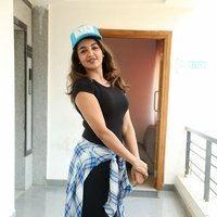 Tejaswi Madivada interview about her upcoming movie Babu Baga Busy Pics   Picture 1496124