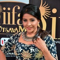 Sakshi Agarwal Hot at IIFA Awards 2017 Photos