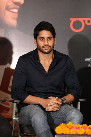 Naga Chaitanya @ Rarandoi Veduka Chudham Success Meet Photos