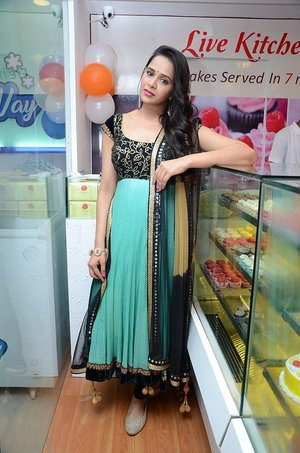Actress Abha Singhal Latest Photos