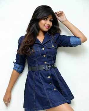 Actress Srijitaa Ghosh Hot Stills at Meena Bazar.Com Movie Press Meet | Picture 1545526