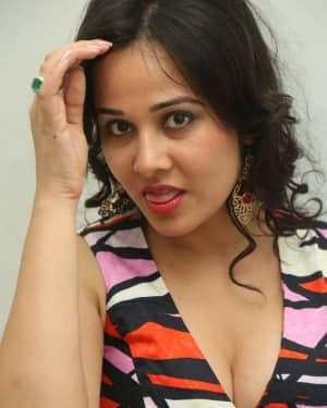 Nisha Kothari Hot Stills In O Ravana Lanka Movie
