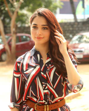 Actress Tamanna Bhatia at Queen Movie Launch Photos | Picture 1532353