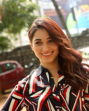 Actress Tamanna Bhatia at Queen Movie Launch Photos | Picture 1532359