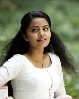 Anupama Parameswaran - Andamaina Jeevitham Movie Stills | Picture 1533903
