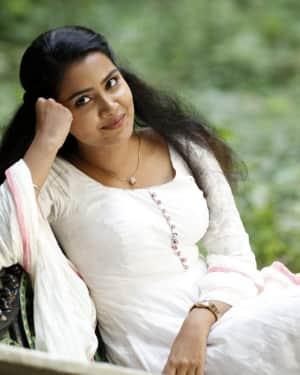 Anupama Parameswaran - Andamaina Jeevitham Movie Stills | Picture 1533904