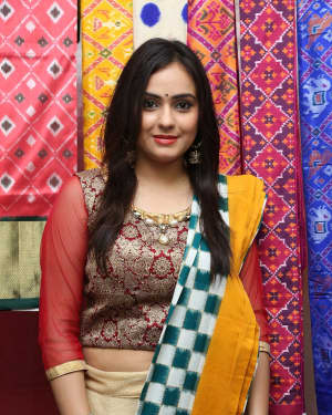 Actress Priyansha Dubey Inaugurates Pochampally IKAT Art Mela Photos