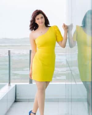 Photoshoot: Actress Mannara Chopra Stuns in New Haircut