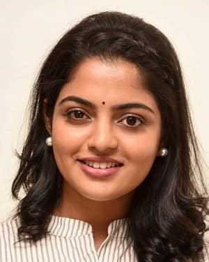 Actress Nikhila Vimal Interview for Meda Meeda Abbayi Movie Photos | Picture 1525214