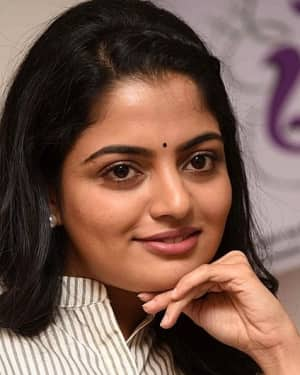 Actress Nikhila Vimal Interview for Meda Meeda Abbayi Movie Photos | Picture 1525230