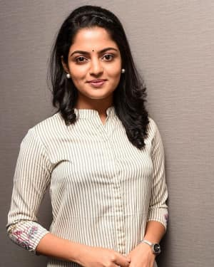 Actress Nikhila Vimal Interview for Meda Meeda Abbayi Movie Photos