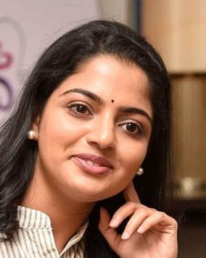 Actress Nikhila Vimal Interview for Meda Meeda Abbayi Movie Photos | Picture 1525223