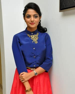 Actress Nikhila Vimal at Meda Meeda Abbayi Movie Pre Release Function Photos | Picture 1525552