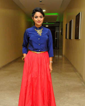 Actress Nikhila Vimal at Meda Meeda Abbayi Movie Pre Release Function Photos | Picture 1525556