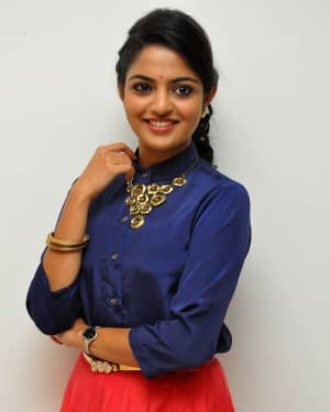 Actress Nikhila Vimal at Meda Meeda Abbayi Movie Pre Release Function Photos | Picture 1525538