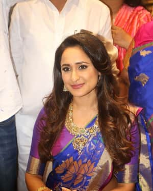 Pragya Jaiswal - Celebs at South India Shopping Mall Opening Photos | Picture 1526554