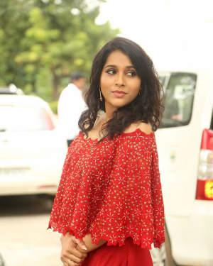 Actress Rashmi Gautham at Next Nuvve Trailer Launch Photos