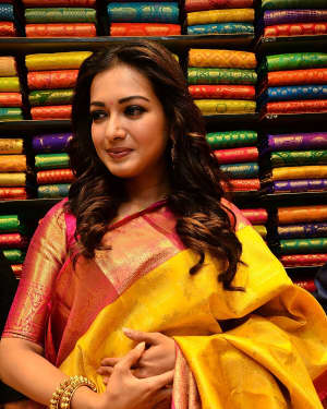 Catherine Tresa - KLM Shopping Mall Launch Photos