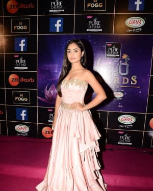 Tridha Choudhury - Zee Telugu Apsara Awards 2018 Red Carpet Stills | Picture 1576615