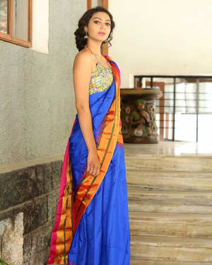 Actress Simran Hot in Saree Photos | 1591946