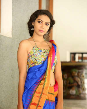 Actress Simran Hot in Saree Photos | 1591945