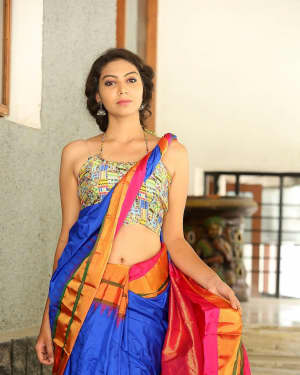 Actress Simran Hot in Saree Photos | 1591943