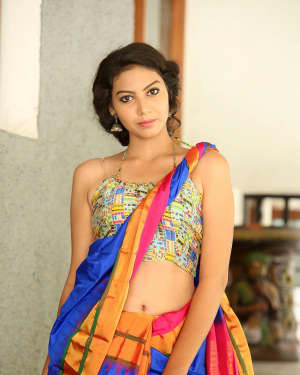 Actress Simran Hot in Saree Photos | 1591944