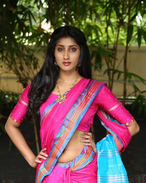 Sravani Yadav Hot in Saree Photos