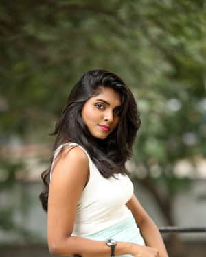 Actress Aslesha Varma Hot Photos