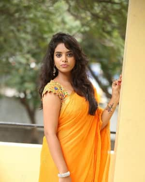 Actress Manjari Hot In Saree Photos