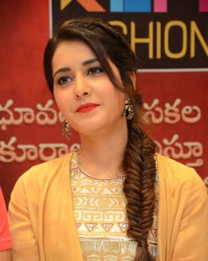 Photos: Raashi Khanna at at KLM Fashion Mall