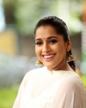 Rashmi Gautam Photos at Anthaku Minchi Movie Press Meet
