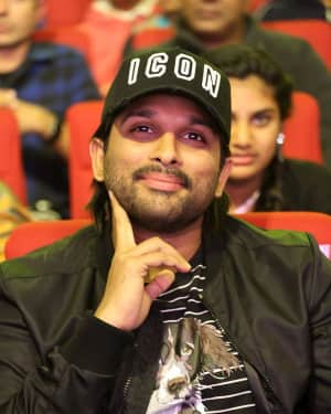 Allu Arjun - Padi Padi Leche Manasu Movie Pre Release Event Photos | 1616192