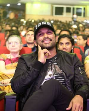 Allu Arjun - Padi Padi Leche Manasu Movie Pre Release Event Photos | 1616186
