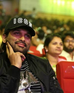 Allu Arjun - Padi Padi Leche Manasu Movie Pre Release Event Photos | 1616204