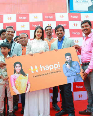 Happi Mobiles Grand Store Launch at Dilsukhnagar Photos