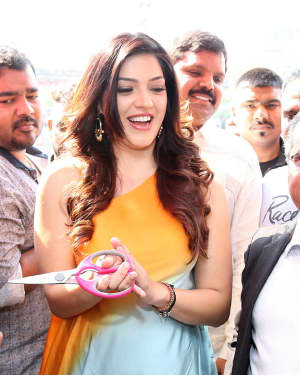 Actress Mehrene Kaur Launches B New Mobile Store at Adoni Photos | Picture 1563648