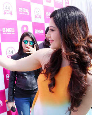 Actress Mehrene Kaur Launches B New Mobile Store at Adoni Photos | Picture 1563632