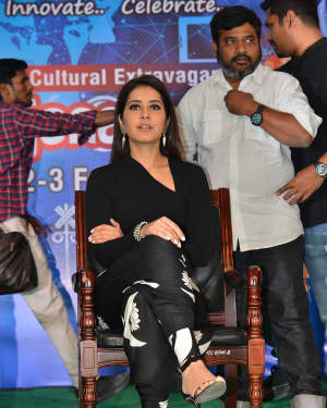 Raashi Khanna - Tholi Prema Team At Vignan College Guntur Photos