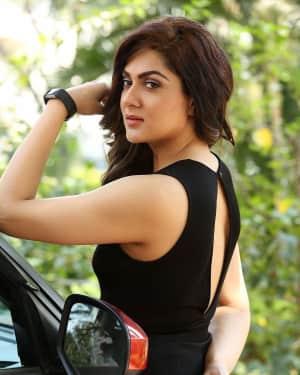 Actress Sakshi Chaudhary Hot Photos at Oollo Pelliki Kukkala Hadavidi Movie Press Meet