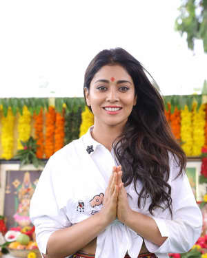 Actress Shriya Saran Stills at New Movie Opening