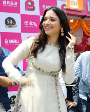 Photos: Tamanna Bhatia launches B New Mobile store at Srikakulam