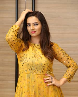 Actress Isha Chawla Latest Photos