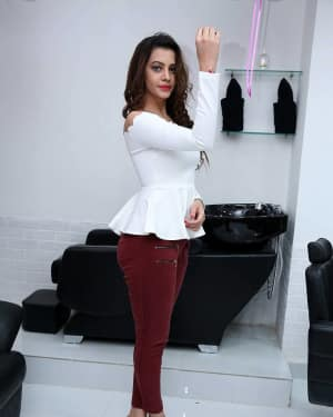 Deeksha Panth - Photos: Inauguration Glam Studios Unisex Salon | Picture 1612057